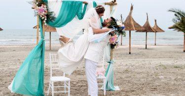 Tot ce trebuie sa stii despre o nunta pe plaja