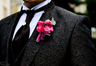 Butoniere şi brăţări din flori