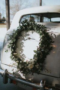 Idei incantatoare pentru decorarea masinii de nunta