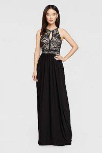 Negru pentru rochiile domnisoarelor de onoare