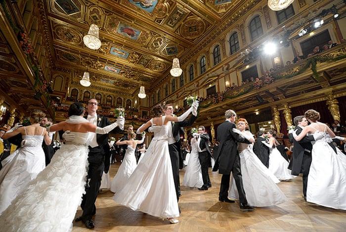 Melodii de vals pentru Dansul Mirilor